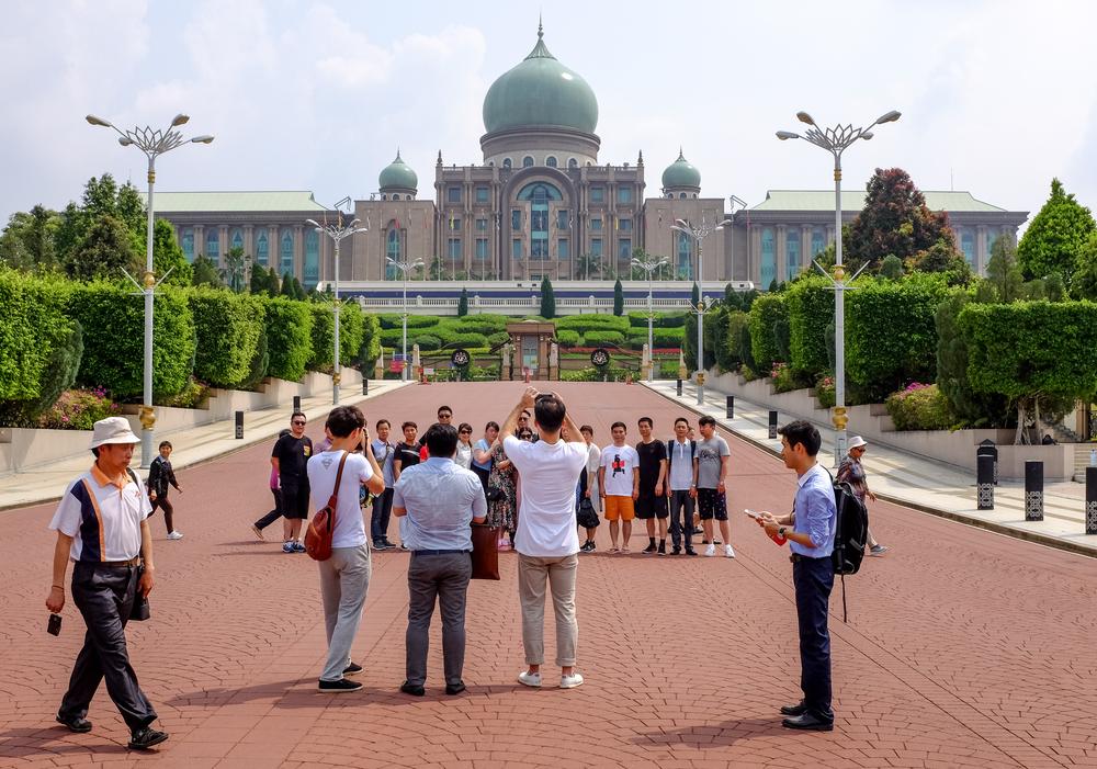 chinese-tourist-malaysia-1
