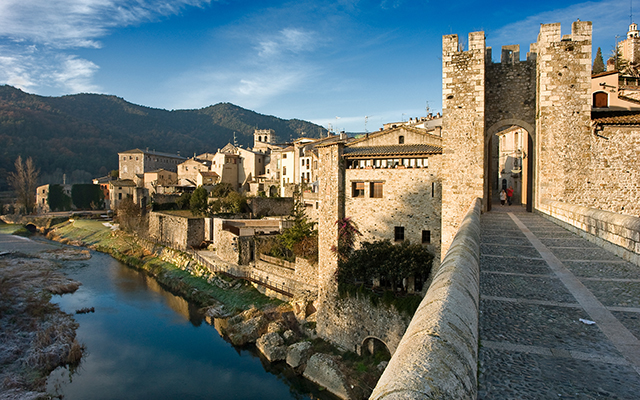 Besalú – Medieval village in Costa Brava